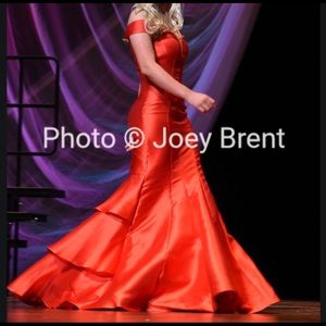 Prom dress/ pageant dress